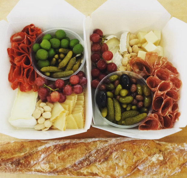 two_picnic_boxes