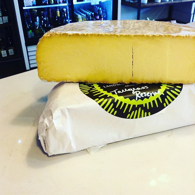 Look who's back! One of our staff favorites, Tallgrass Reserve, has made its grand return from Albany, Wisconsin. This semi-firm, pasteurized cow's milk cheese is tangy, grassy, & has the slightest hint of earthy funk in the finish (it also pairs perfectly with a shot of bourbon; ask us how we know!). 01/04/2018 #milkfarmlunch 1) JAMON SERRANO: idiazabal, quince jam, & Marcona almonds on ficelle 2) VEGGIE: double creme Brie, arugula, & fig jam on ficelle 3) TURKEY MELT: roasted fennel, onion jam, arugula, garlic aioli, smoked mozzarella, & Swiss on multigrain 4) SPICY SOPPRESSATA: Classic aioli, herbs, arugula, Mama Lil's pickled peppers, sundried tomatoes, fresh mozzarella, & EVOO on ciabatta 5) MILKFARM GRILLED CHEESE 6) MILKFARM MAC AND CHEESE