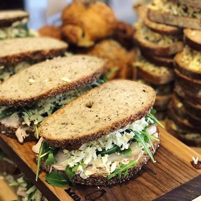 #milkfarmlunch 1/3/17 •TURKEY MELT: roasted fennel, arugula, aioli, fontina, holey cow, Gruyere, and smoked mozzarella on multigrain •BRESAOLA: beef prosciutto, lemon artichoke tapenade, fromage blanc, herbs, cracked pepper, and arugula on ficelle •VEGGIE: lemon artichoke tapenade, fromage blanc, herbs, cracked pepper, and arugula on ficelle •JAMON SERRANO: quince-thyme jam, chopped Marcona almonds, idiazibal cheese, and EVOO on ficelle •GRILLED CHEESE