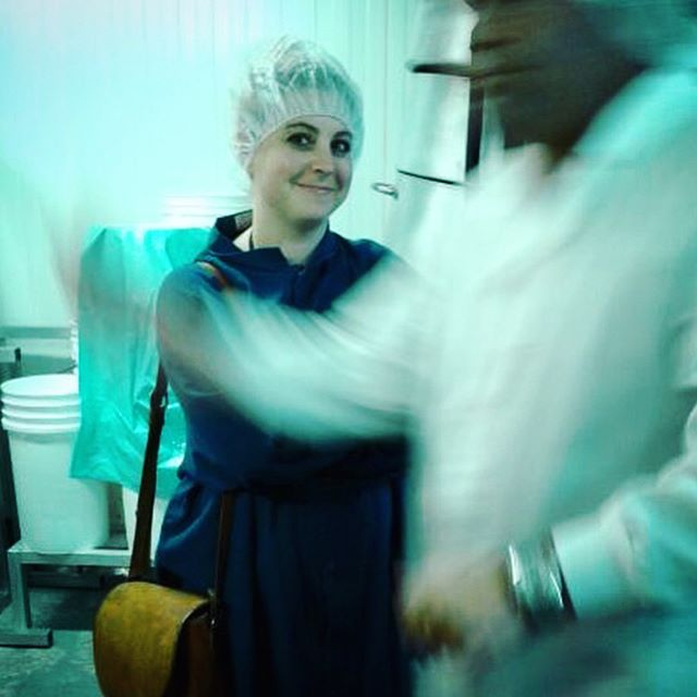 ?Happy in a hairnet! The Milkfarm crew was all smiles when we met Alex at La Espanola for a tour of the facility. This Sunday he will be bringing his vast knowledge of cured meats here to Milkfarm! Tickets still on sale for our class, Cured Meats 101! Don't delay! ----------- 3/5/18 #milkfarmlunch •CHORIZO: idiazabal, mama lil's pickled peppers, cilantro, herbs, oven roasted tomatoes, evoo on ficelle •SPECK: smoked prosciutto, roasted shallots & asparagus, baby spinach, buffalo mozzarella, basil almond pesto, garlic aioli on multigrain •TURKEY MELT: tart cherry mostarda, beurremont butter, smoked mozzarella, holey cow cheese on ciabatta •GRILLED CHEESE •COOKIES